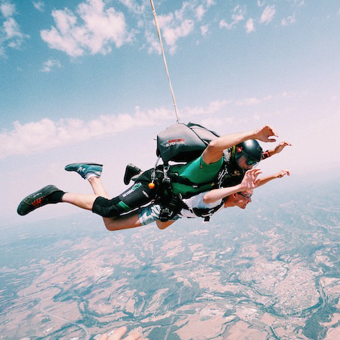 Martin Schurig skydiving from 4 km altitude