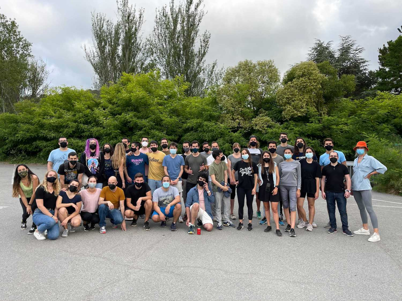 Stuart teams in Barcelona summer adventure park activity