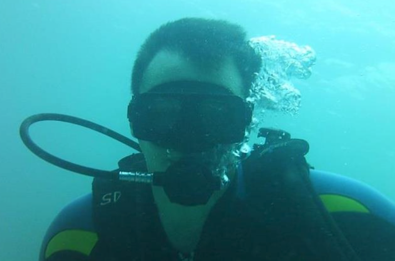 Sean Handley scuba photo